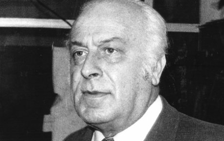 Rođen Skender Kulenović
