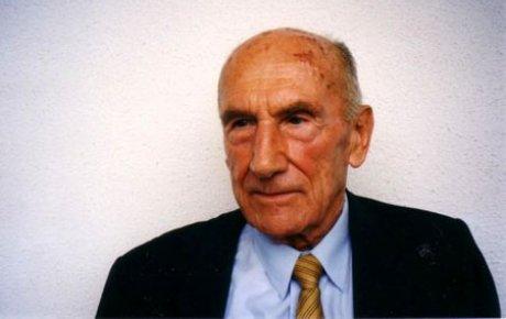 Rođen Vladimir Prelog